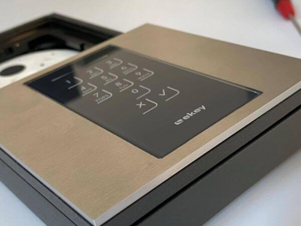 GIRA 106 Modul für eKey Keypad, flächenbündig