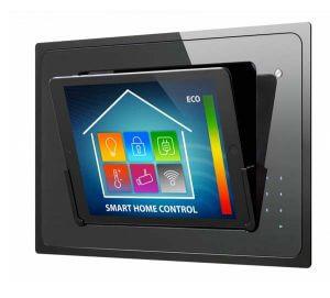 iPad Wandhalterung iBezel Dockingststion von iroom aufgeklappt