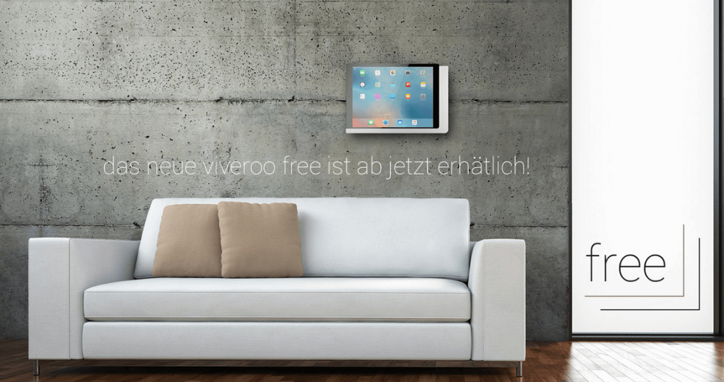 iPad Wandhalterung free von viveroo über einem Sofa