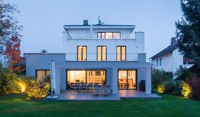 Smart Home bei Dämmerung