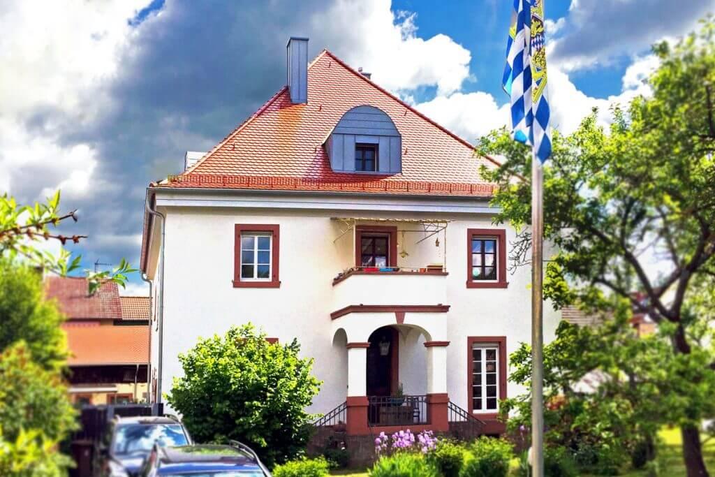 Historisches Gebäude mit Smart Home Technik