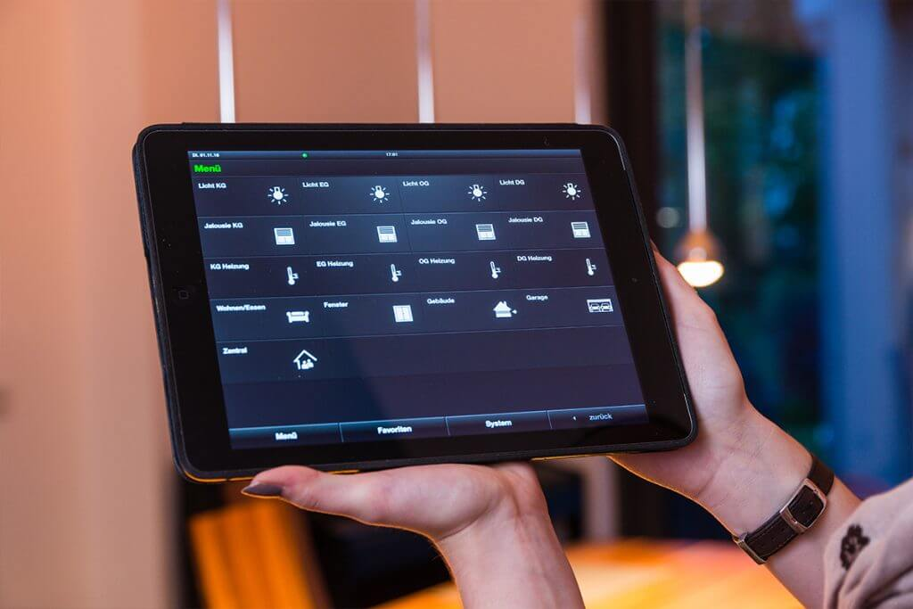 Tablet zur Steuerung des Smart Homes