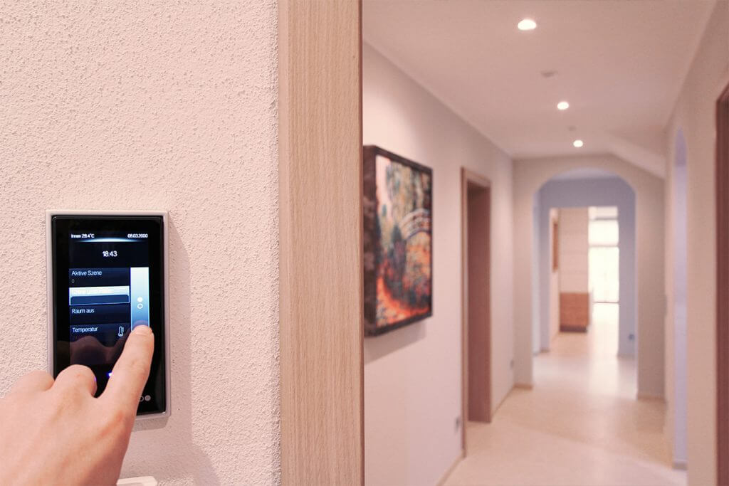 Smart Control Steuerung mit Touch Display